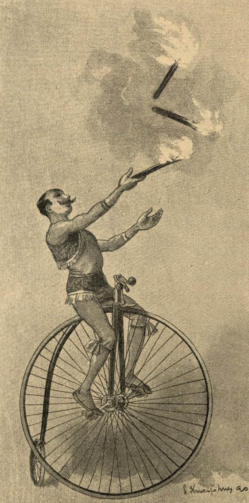 Jongleur auf dem Hochrad wirft mit Fackeln